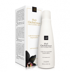 Black Orchid Moon Face Cleansing Milk